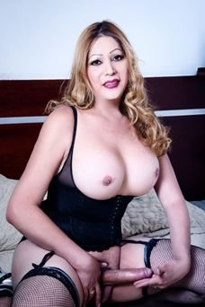 Scarlet - travestibarcelona.com