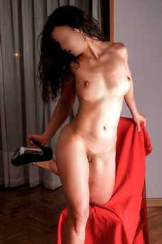 Ainá Molene, 722 325 259 - Puta en Madrid