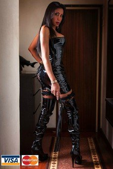 Brenda Kyss - travestibarcelona.com