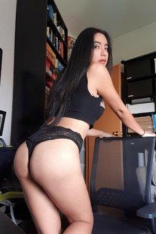 Jessica Brown - travestibarcelona.com