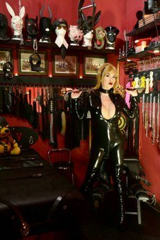 Mistress Ruth - travestibarcelona.com