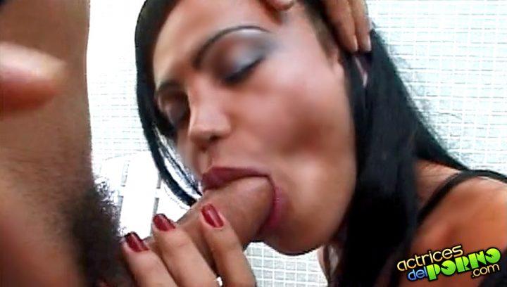 Comiendo polla Transexual